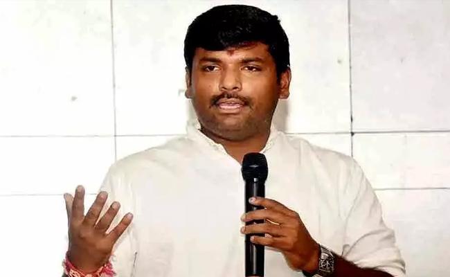 Gudiwada Amarnath Talks In Press Meet Over Decentralization In Vijayawada - Sakshi