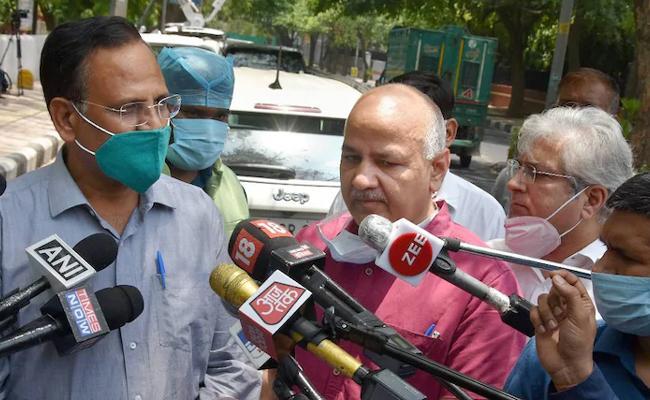 Doubling Rate Of Corona Virus Cases In Delhi Now 50  - Sakshi