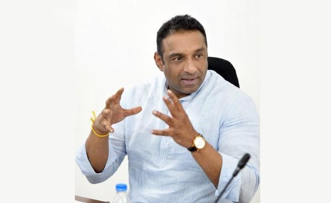 Mekapati Gowtham Reddy Conducted Meeting With Officers About ISB Agreement  - Sakshi