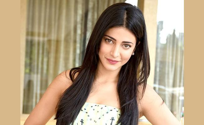I Suffer From Anxiety Says Shruti Haasan - Sakshi