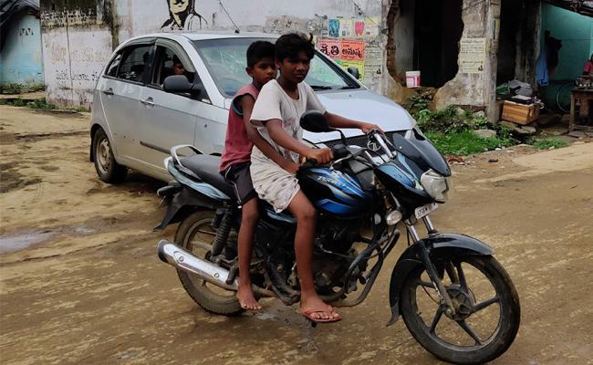 Warangal Police Take Serius Action on Minor Driving Accidents - Sakshi