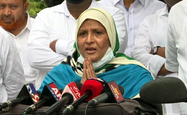 MLC Zakia Khanum Meets CM YS Jagan ON Monday - Sakshi