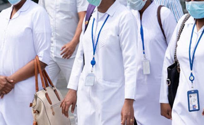 Doctors Shortage in Nalgonda COVID 19 Hospitals - Sakshi