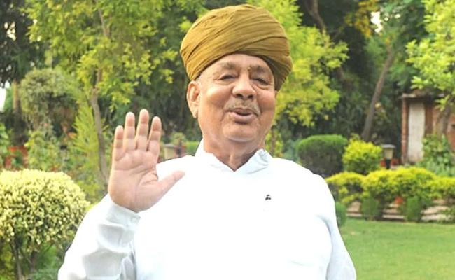 Rajasthan Politics Rebel Leader Bhanwar Lal Sharma Meets Ashok Gehlot - Sakshi