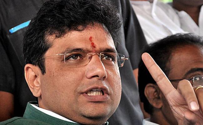 MLA Sridhar Babu Questions Govt Covid Treatment Activities In Telangana - Sakshi