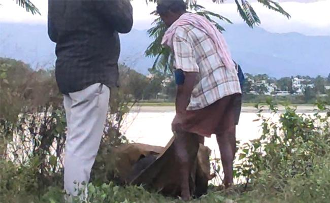 Dead Body Found In Narsipatnam Suspected To Be Honour Killing - Sakshi