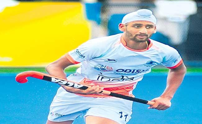 Hockey Player Mandeep Singh Sent To The Hospital - Sakshi