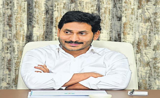 CM YS Jagan personally wrote letters to 25 lakh YSR Cheyutha beneficiaries - Sakshi