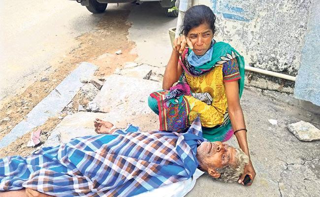 Elderly Man Died Over fallibility Of Corona In Palamaneru - Sakshi