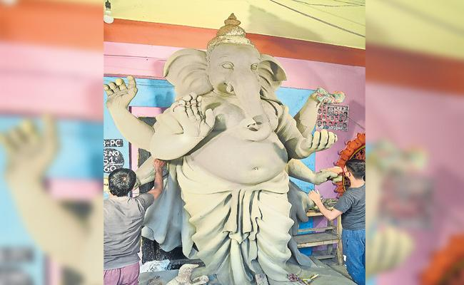 Khairatabad Ganesh Statue Ready For Celebration - Sakshi