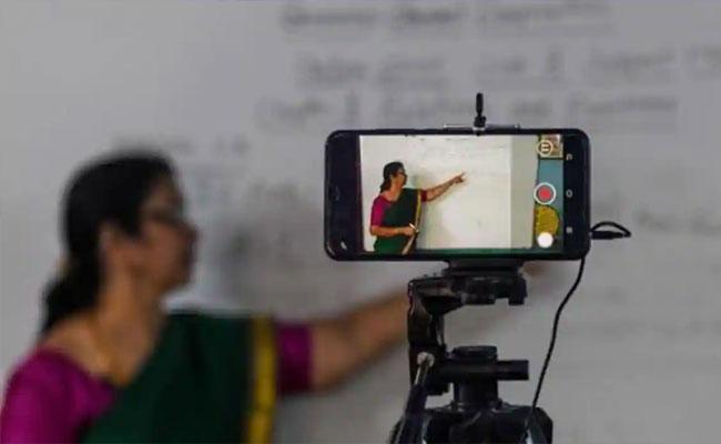 Survey: 58000 Students In Prayagraj Lack Gadgets For Online Studies - Sakshi