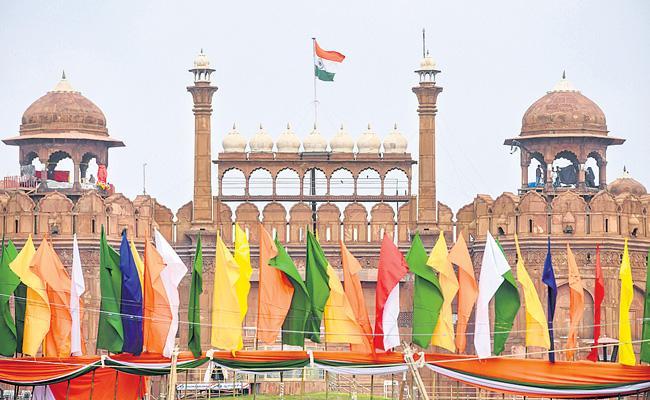 Defence ministry special arrangements for celebrations at Red Fort - Sakshi