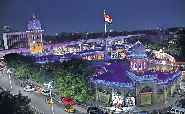 MJ Market Recostruct With 15 Crore Funds in Hyderabad - Sakshi