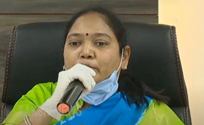 Home Minister Slams Chandrababu Naidu Over Spreading Fake News In Guntur - Sakshi
