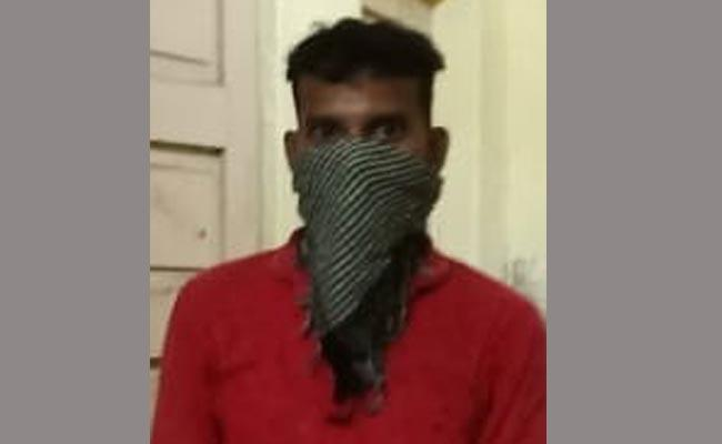 Accused Escaped From Custody In Visakhapatnam - Sakshi