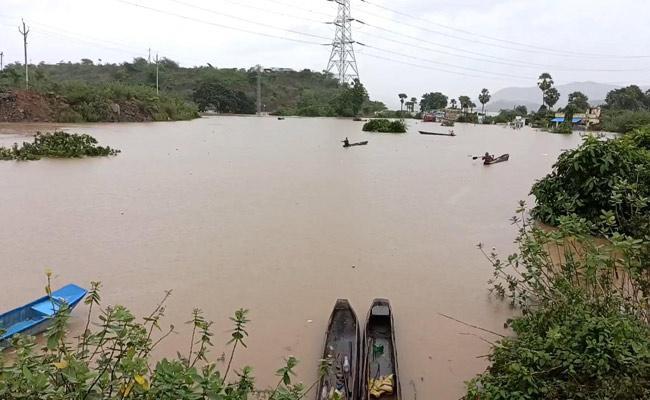 MLA Tellam Balaraju Visits Flood Affected Areas - Sakshi