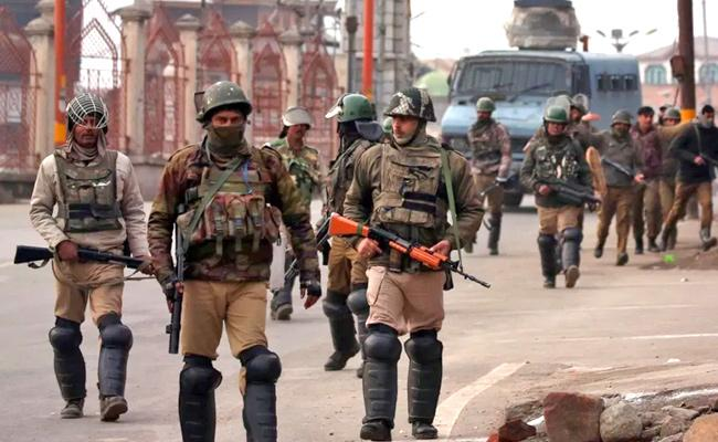 Centre Orders 10000 Troops To Be Immediately Withdrawn From Jammu Kashmir - Sakshi