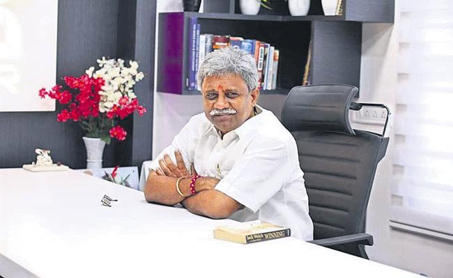 BJP Senior Leader Pydikondala Manikyala Rao Departed - Sakshi