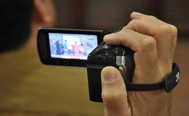 Man Films Private Moments During Affair With Niece With Niece In Gujarat - Sakshi