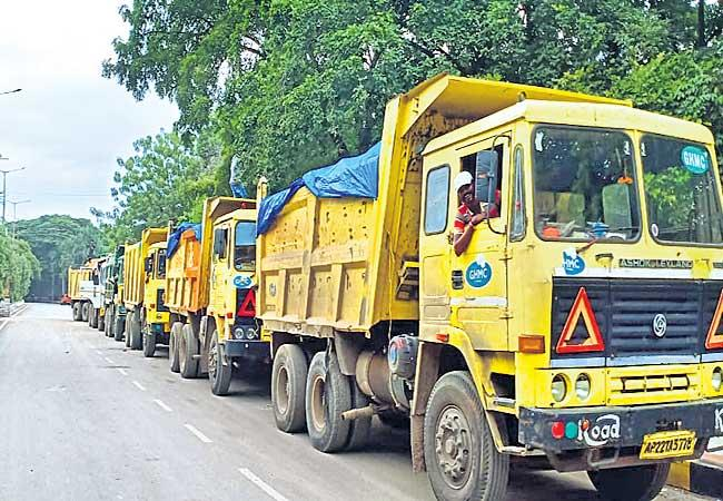 Sixty Two Thousand Metric Tons Of Wastage For Hyderabad Secretariat - Sakshi