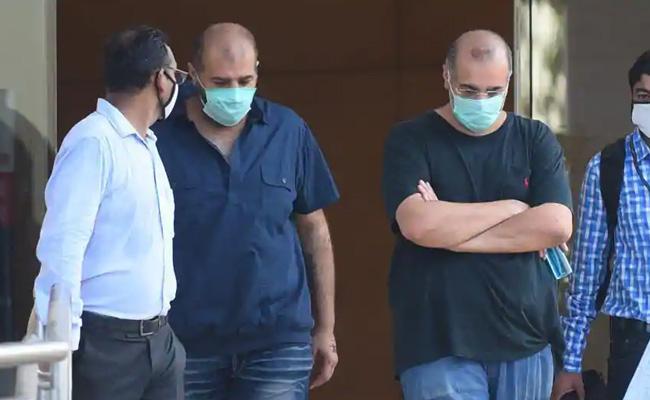 YesBank fraud case HC grants bail to Wadhawan brothers - Sakshi