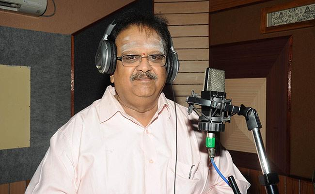 Saroja Devi Prays About SP Balasubrahmanyam Health Recovery From Covid 19 - Sakshi