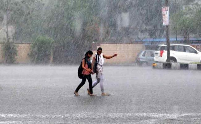 Rains For Another Two Days In Telangana - Sakshi