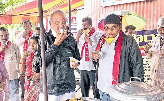 CPI Leader Narayana Visited Warangal Floods Area - Sakshi