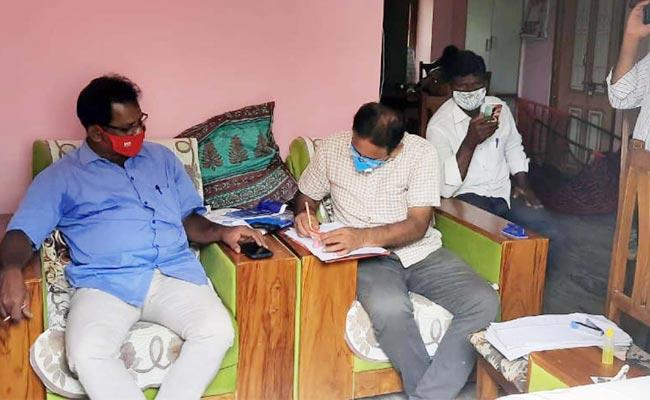 CID Raids On Apco Ex Chairman Gujjala Srinivas - Sakshi