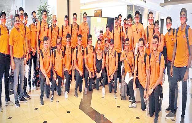 All IPL Teams Arrived At United Arab Emirates - Sakshi