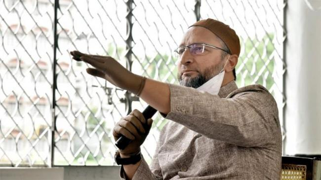Asaduddin Owaisi Mocks Ghulam Nabi Azad Over Congress Crisis - Sakshi