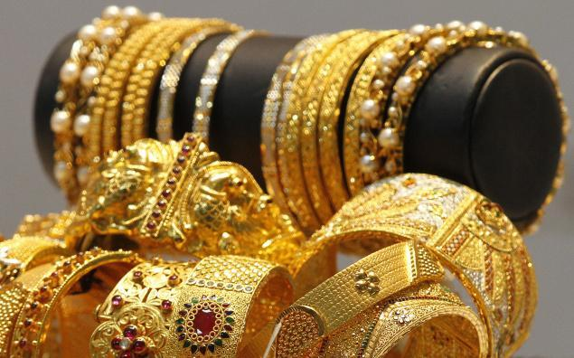 Gold, Silver prices up in MCX and Newark Comex - Sakshi