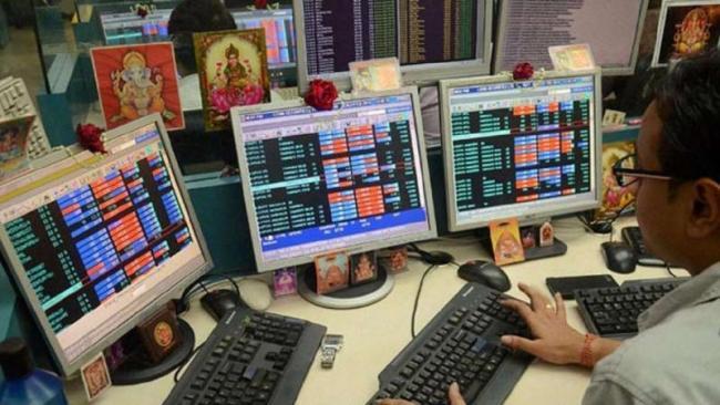 SGX Nifty indicates Market may open flat - Sakshi