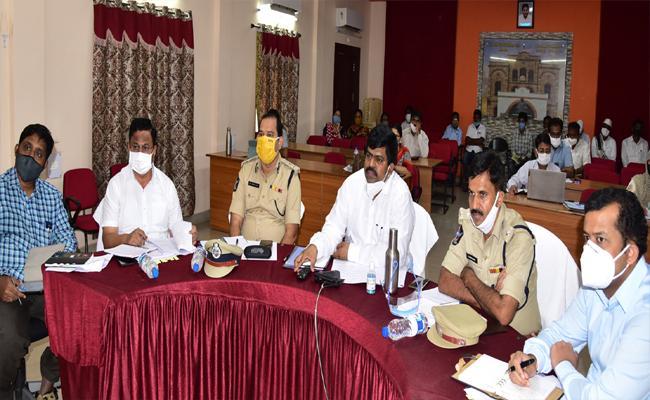CM YS Jagan Praises West Godavari Collector Muthyala Raju - Sakshi