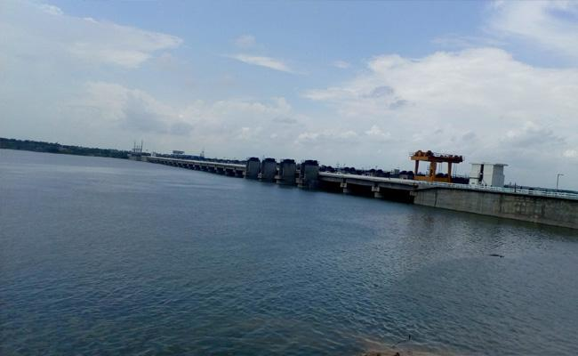 45 TMC of Water stored In Pulichintala Project  - Sakshi
