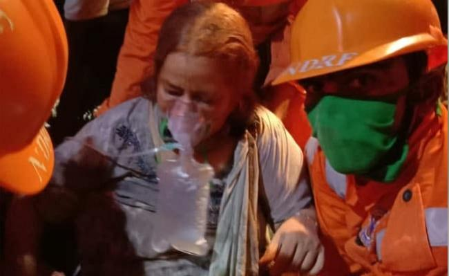 Woman Rescued After 26 Hours From Collapsed Maharashtra Building - Sakshi