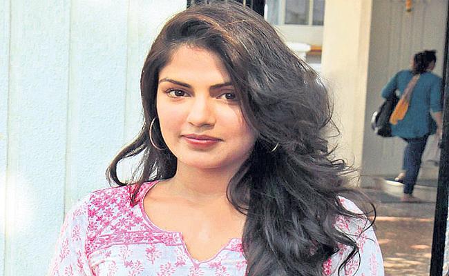 Narcotics Control Bureau registers case against Rhea Chakraborty - Sakshi