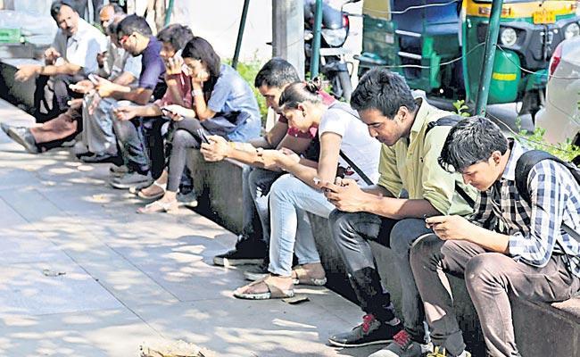 Reduced Number Of Telecom Users - Sakshi