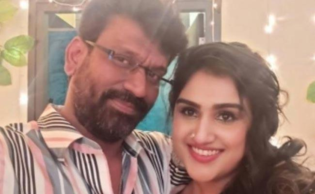 Vanitha Vijayakumar Husband Had Heart Attack - Sakshi