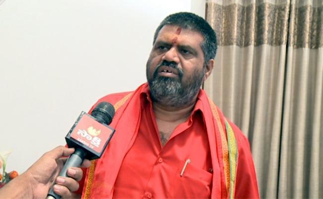 Minister Avanthi Srinivas Visits State Covid Hospital In Visakhapatnam - Sakshi