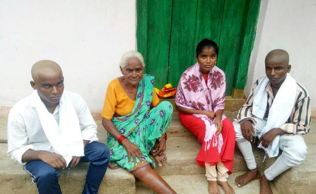 Father And Mother Deceased With Illness No One For Childrens Adilabad - Sakshi