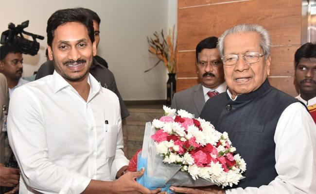 CM Jagan Wishes Governor BiswaBhushan Hari Chandan On His Birthday - Sakshi