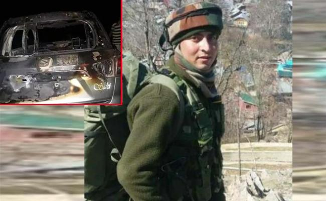 Soldier Likely Kidnapped By Terrorists in Kulgam says Army - Sakshi