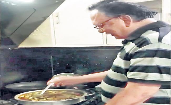 Krishnam Raju Makes Fish Curry For The Family - Sakshi