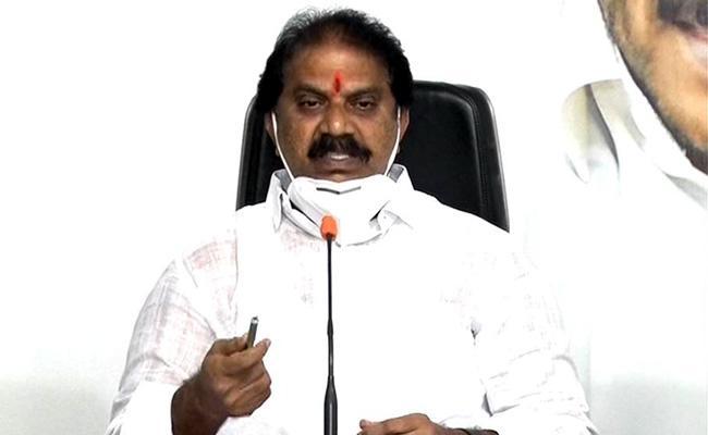 Malladi Vishnu Fires On Bonda Uma In Vijayawada - Sakshi