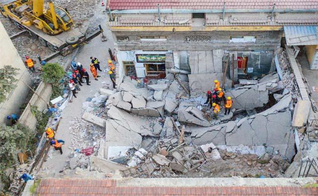 Restaurant Collapse: Death Toll Rises To 29 In China - Sakshi