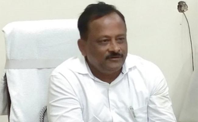 Nirbhaya Case Filed On Anantapur Agriculture JD Habib Basha - Sakshi