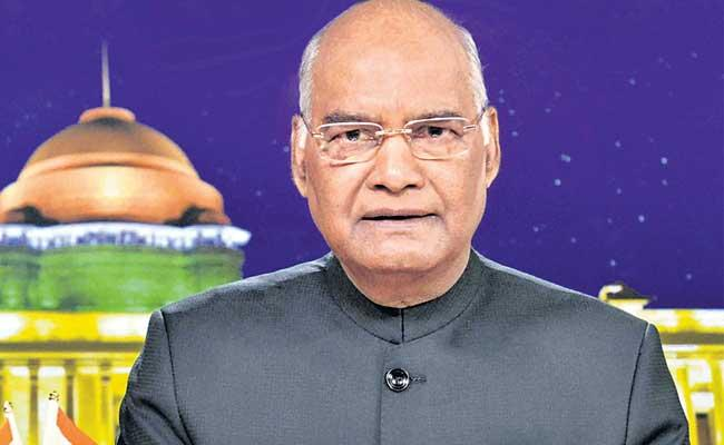 President Ram Nath Kovind Celebrates Rakhi With Nurses - Sakshi