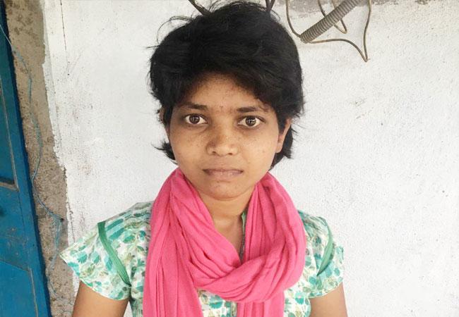 Parvati asking donors to help In Krishna District - Sakshi