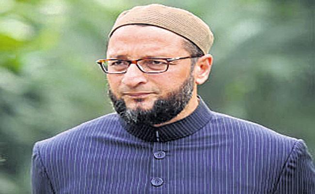 Asaduddin Owaisi responds to Priyanka Gandhi tweet - Sakshi